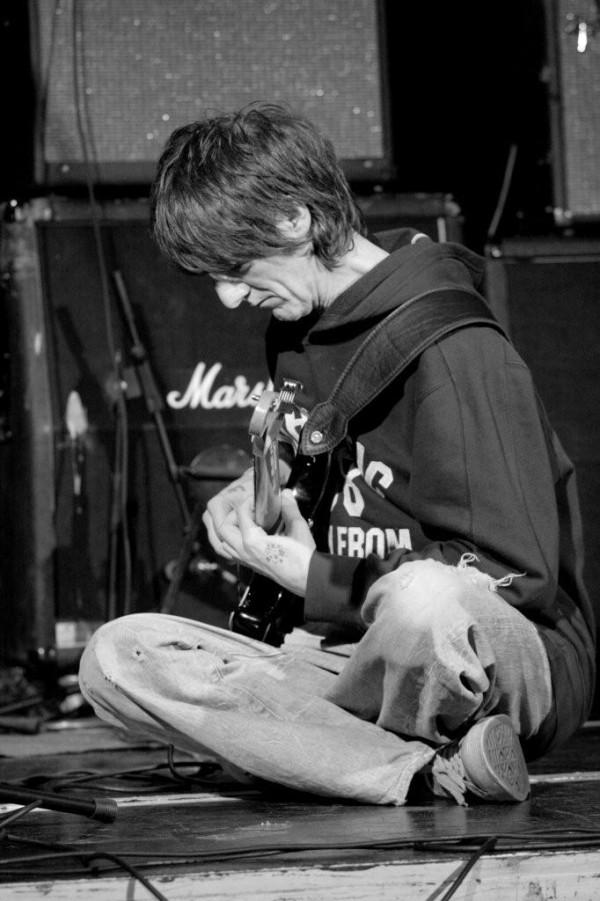 Vini Reilly [photo © Bryn Le Poidevin 2009]    The Durutti Column