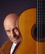 Photo of Julian Bream
