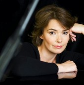 Photo of Beverley Craven
